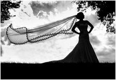 long wedding veil  //  Photography: Moreland Photography