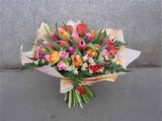 Tulipány Floral Wreath, Wreaths, Plants, Home Decor, Floral Crown, Decoration Home, Door Wreaths, Room Decor, Deco Mesh Wreaths
