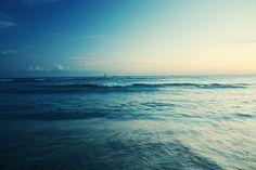sometimes i wish i lived near the ocean:)