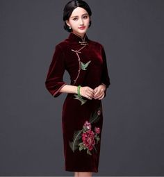 NEW-fashion-half-sleeve-Brief-paragraph-Embroidered-velvet-Chinese-dress