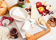 Cafe Johnsonia: Holiday Entertaining: 4 Easy Cheese Appetizer Ideas @Beverly Tom