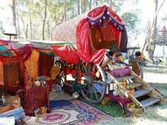 """A Medieval Gypsy Wedding and Caravan in Australia """"I am home safe and sound after a marvelously fun weekend of medieval camping with my Blac. Gypsy Trailer, Gypsy Caravan, Gypsy Wagon, Gypsy Life, Gypsy Soul, Gypsy Eyes, Gypsy Wedding, Wedding Shit, Gypsy Living"""