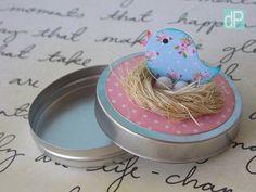latinha-passarinho-no-ninho-rosa-e-azul