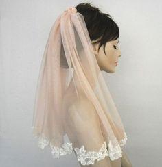 El velo rosa es lo último para novias #wedding #boda #novias