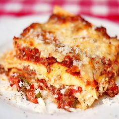 Chicken Chorizo Lasagna - chicken and smokey chorizo sausage as well as a creamy ricotta filling add terrific flavor layers to this amazing lasagna.