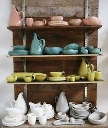 Rosslyn Pots in Federal Blue and Bauer Orange Seconds in Parrot Green, Bauer Yellow & Aqua Russel Wright American Modern dinnerware i. Vintage Dishes, Vintage China, Vintage Kitchen, Antique Dishes, Vintage Pottery, Pottery Art, Vintage Ceramic, Bauer Pottery, Russel Wright