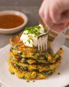 Spinach is PACKED with all the good stuff 💪  Here is a delicious creamy spinach recipe that you can make with this powerhouse ingredient at home TODAY 👏😍🏡  Mango Dessert Recipes, Dinner Recipes, Homemade Crab Cakes, Creamy Spinach, South African Recipes, Cooking Recipes, Healthy Recipes, Spinach Recipes, Mediterranean Recipes