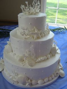 http://www.twcakes.com/album/photo-gallery-gallery/#a2011-wedding-cakestodaysbridegallery-011-jpg