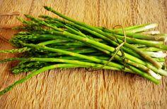 Sabores e suspiros da vida: aspargos frescos - prato leve para dias quentes de...