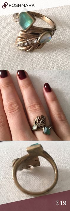 Chloe + Isabel Feather Ring - Size 7 Chloe + Isabel feather ring in size 7. Only worn once - like new! Antique gold-plated and nickel-free plating with semiprecious stones and crystal pave. Chloe + Isabel Jewelry Rings