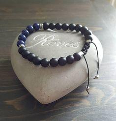 Bracelet en pierres pour hommes onyx mat et lapis lazuli. Lapis Lazuli, Bracelets For Men, Etsy, Jewelry, Stone Bracelet, Unique Jewelry, Jewlery, Guy Bracelets, Bijoux