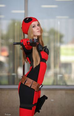 Lady Deadpool by HarleyJee. Deadpool Cosplay, Lady Deadpool, Female Deadpool Costume, Marvel Cosplay, Comic Con Cosplay, Amazing Cosplay, Best Cosplay, Bmx, Female Superhero