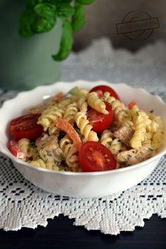 Sałatka makaronowa z sosem tatarskim – Smaki na talerzu Kung Pao Chicken, Pasta Salad, Ethnic Recipes, Food, Crab Pasta Salad, Essen, Meals, Yemek, Eten