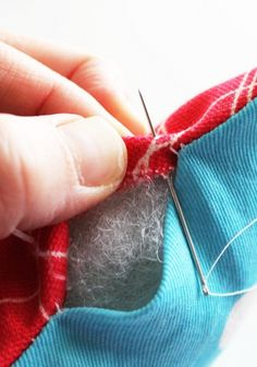 How to Sew a Pillow Seam Closed so that it stays hidden #BlindStitch, #LadderStitch