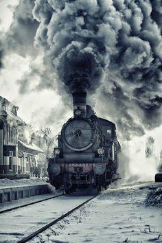 Train Smoke farewell Vías del tren. Locomotoras.Llegadas salidas