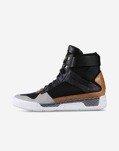High-top sneaker Men - Shoes Men on Online Store Kid Shoes, Me Too Shoes, Men's Shoes, Shoe Boots, Shoes Sneakers, Shoes Men, Dress With Sneakers, High Top Sneakers, Balmain Men