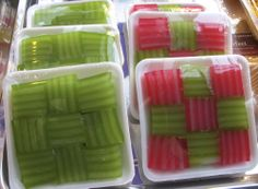 Technique for making pandan green water & extract ......Thai 101 before working on your recipe for Thai dessert.