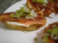Montadito de salmón con anchoas #pinchos y #tapas