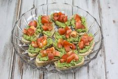 Simple and easy recipe for tomato and avocado Bruschetta. They are super easy to make and perfect for a snack or tapas dinner. Avocado Toast, Tapas Dinner, Best Tapas, New Years Dinner, Tapas Recipes, Avocado Salat, Bruchetta, Yummy Snacks, I Love Food