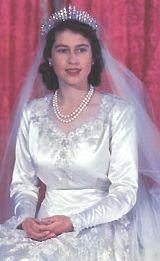 The Royal Order of Sartorial Splendor: Wedding Wednesday: Queen Elizabeth's Gown