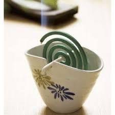 蚊取り線香 mosquito coil I am so doing this for next summer! Clay Projects, Clay Crafts, Diy And Crafts, Projects To Try, Ceramic Clay, Ceramic Pottery, Porcelain Ceramic, Cerámica Ideas, Pottery Classes