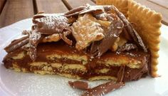 The easiest Chocolate and Biscuit Cake (Mosaiko Tourta) - My Greek Dish Greek Sweets, Greek Desserts, Greek Recipes, No Bake Desserts, Dessert Recipes, Chocolates, Praline Chocolate, Chocolate Ganache, Chocolate Desserts