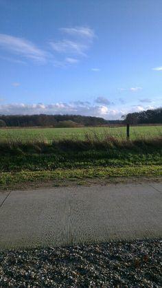 Uitzicht vanaf de fietsbank in Varsen (Ommen) langs de Vecht, stromend vanuit Duitsland naar Zwolle.