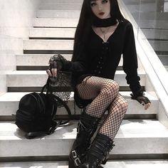 Model: Model Kina Shen Dress: Killstar Welcome to Gothic and Amazin. Estilo Rock, Gothic Mode, Gothic Lolita, Goth Beauty, Dark Beauty, Alternative Girls, Alternative Fashion, Dark Fashion, Gothic Fashion
