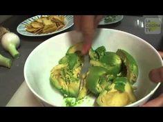 Guacamole_Comprensión auditiva para A2.avi Spanish Classroom, Teaching Spanish, Spanish Lessons, Spanish Food, How To Speak Spanish, Guacamole, Healthy Eating, Yummy Food, Meals