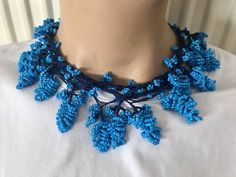 You can use this beaded boho choker also as a bracelet, lariat bangle, belt and in many other forms. Crochet Beaded Necklace, Bead Crochet, Divas, Crochet Accessories, Turquoise Beads, Boho Jewelry, Gypsy, Handmade, Crafts