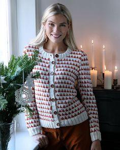 Trøjen er garanteret varm, og det diskrete mønster gør, at den også er god uden for juletiden.