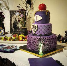 descendants cake   Nais Cakes
