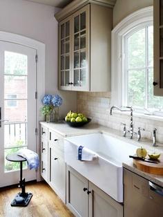 Love the cabinet color. Kitchen DC Row House Design, Pictures, Remodel, Decor and Ideas - page 2
