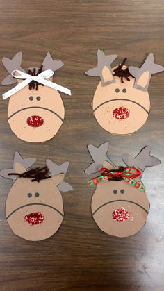 Used templates for the reindeer antlers , ears and head and glued them all together . Brown Yarn for hair , Christmas ribbon for nose & glittered the nose with red glitter Reindeer Craft, Reindeer Antlers, Christmas Ribbon, Christmas Ornaments, Reindeer Headband, Winter Art Projects, Holiday Crafts, Holiday Decor, Craft Rooms