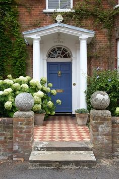 ' Project by Spencer Swaffer Antiques. Via Drummonds kitchen & bath fixtures, London, UK. Robert Sanderson photo for Homes & Antiques. House Front Door, Front Door Colors, House Front, Georgian Homes, Front Garden, House Exterior, Front Doors Uk, Garden Wall, Brick Steps