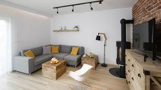Szary salon. Projekt: Katarzyna Uszok. Fot. Bartosz Jarosz Outdoor Sectional, Sectional Sofa, Couch, Outdoor Furniture, Outdoor Decor, Brick, Living Room, Interior, Home Decor