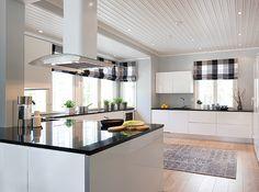 Sade-10-keittio-Kokkola Kitchen Dining, Kitchen Decor, Dining Room, Updated Kitchen, Kitchen Updates, Chula, Environmental Design, Home Interior, My Dream Home