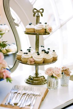 blue and white cake table ideas