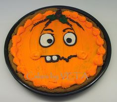 Pumpkin Patch Cookie 3 Giant cookie decorated with pumpkin face -Scaredy :o) Cookie Cake Designs, Cookie Cake Decorations, Cookie Ideas, Fun Cookies, Cupcake Cookies, Giant Cookies, Cookie Cakes, Truck Birthday Cakes, Cookie Cake Birthday
