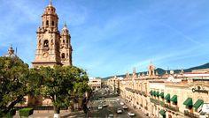 Una ciudad patrimonio, donde se vive la tradición al máximo en un recorrido que te lleva del pasado al presente, mientras recorres el Centro Histórico. Por toda su belleza histórica, Morelia es #OrgulloMexicano.