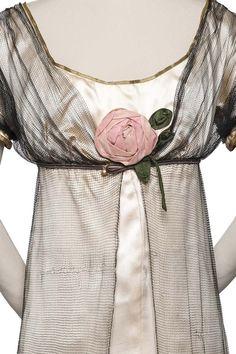 """""""Josephine"""" Evening Gown - Designer: Paul Poiret - Date: 1907 Edwardian Dress, Edwardian Fashion, Vintage Fashion, Edwardian Era, Paul Poiret, Old Dresses, Vintage Dresses, Vintage Outfits, Style Édouardien"""