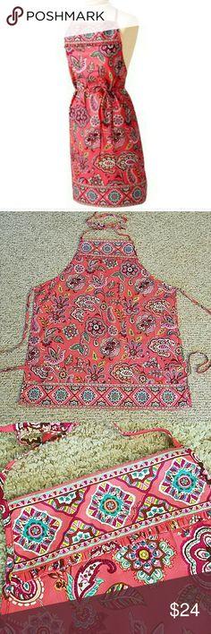 NWOT Vera Bradley apron Beautifully printed Vera Bradley apron, NWOT! Vera Bradley Other