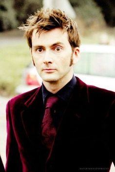 Another pic of David in the velvet suit :D
