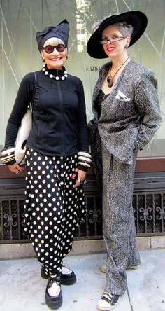 Idiosyncratic Fashionistas: The IFs Go Back to College Mature Fashion, Quirky Fashion, Stylish Older Women, Fashion Outfits, Womens Fashion, Fashion Tips, Ladies Fashion, Advanced Style, Ageless Beauty