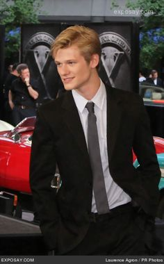 General picture of Lucas Till - Photo 51 of 176