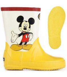 Gli #stivali anti-pioggia di Superga sono perfetti per colorare le giornate più cupe!  #modabimbi #mamme #galosce