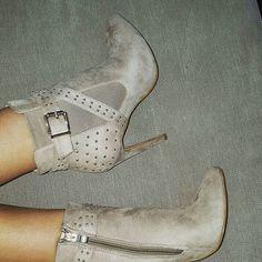 Comanda acum Botinele Manson  #fashion #style #stylish #love #cute #beautiful #pretty #girl #design #model #shoes #heels #shopping #glam #fshoes #reduceri #bucuresti #romania #amazing #incaltaminte #dama #online #pantofi #cizme #botine #picoftheday #instalike