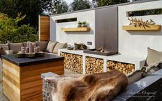 45 Awesome Outdoor Kitchen Ideas and Design - Pandriva Outdoor Kitchen Plans, Outdoor Kitchen Cabinets, Outdoor Kitchen Design, Outside Living, Outdoor Living, Outside Fireplace, Garden Living, Outdoor Furniture Sets, Outdoor Decor