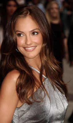 - you're not the only one - Minka Kelly Pictures Most Beautiful Faces, Beautiful Smile, Beautiful Celebrities, Beautiful Actresses, Gorgeous Women, Minka Kelly Hair, Minka Kelly Style, Minka Kelly Makeup, Brunette Beauty