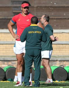 Eben Etzebeth is not built to human scale. Eben Etzebeth, Please To Meet You, Weight Calculator, Rugby Men, Beefy Men, All Blacks, Rugby League, South Africa, The Unit
